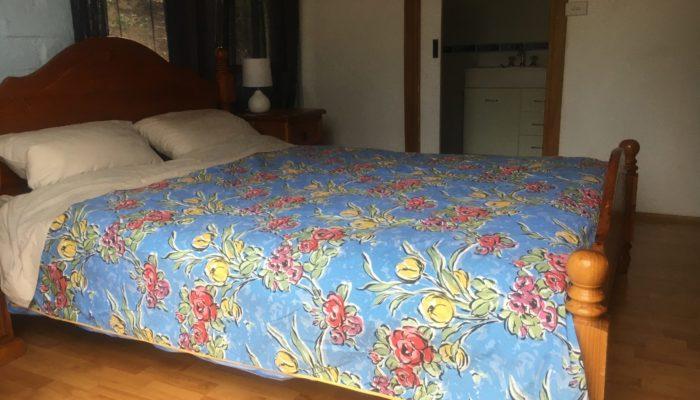 Bedroom 2 Queen bed and ensuite